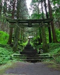 SNAPLACEに掲載された「上色見熊野座神社」の写真=SNAPLACE提供