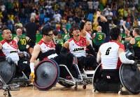 【リオデジャネイロ・パラリンピック】【日本-オーストラリア】準決勝でオーストラリアに敗れ、力なく会場を後にする日本の選手たち=リオデジャネイロのカリオカアリーナで2016年9月17日、徳野仁子撮影