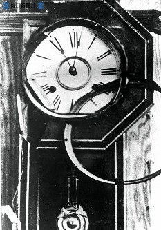 【長崎】11時2分で止まった振子時計=1945(昭和20)年8月