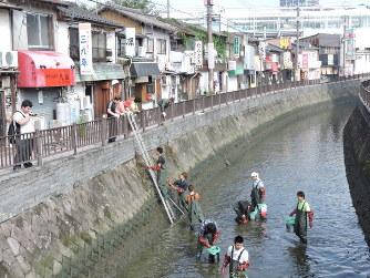 堀川いっせい清掃:450人参加 八...