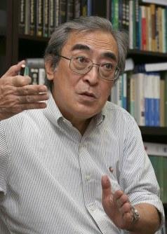 柴崎正勝微生物化学研究所長