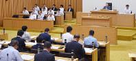 上田県議の辞職願を全会一致で許可した奈良県議会=芝村侑美撮影