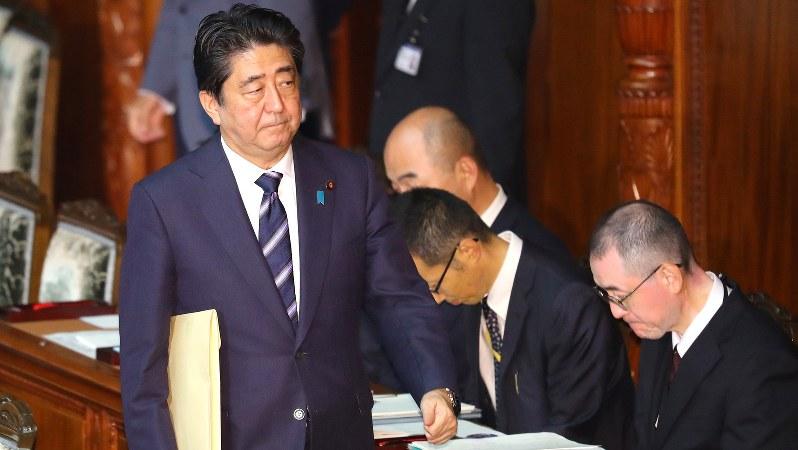衆院本会議に臨む安倍晋三首相=2016年9月26日、長谷川直亮撮影