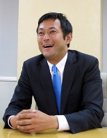 鈴木庸介氏