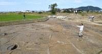 大型建物跡や鍛冶工房跡などが見つかった稲部遺跡=滋賀県彦根市で望月亮一撮影