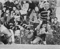 第59回全国高校ラグビー大会(1979年度)に初出場した伏見工。2回戦の石巻(宮城)戦で平尾誠二選手がトライ