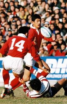 神戸製鋼を引っ張ってきた平尾選手=1996年1月28日、秩父宮ラグビー場