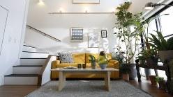 インテリアコーディネーターの小笠原馨子(けいこ)さんが、ニューヨークをイメージしてデザインしたメゾネット住戸
