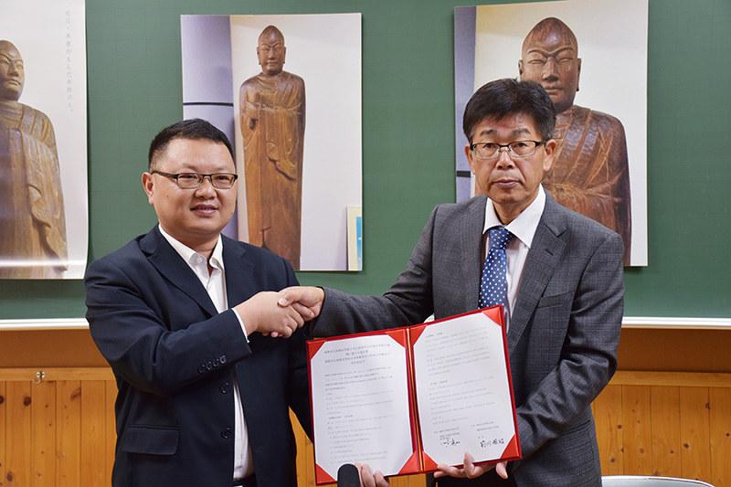連携協定:河南小・中学と中国の学校、協定を締結 米原 /滋賀 - 毎日新聞