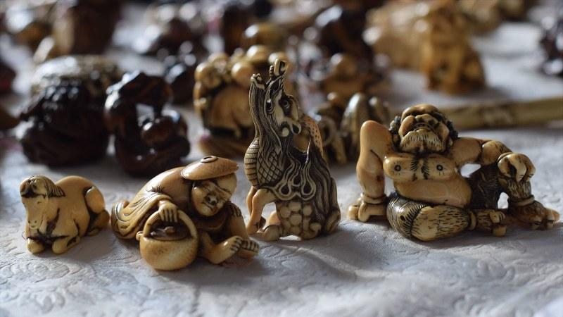安土桃山時代から江戸時代に流行した装飾品「根付(ねつけ)」。現在は9割が海外の所蔵と言われている=2016年10月、清水憲司撮影