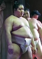 九州場所では前頭上位で活躍を狙う遠藤=福岡市西区の追手風部屋宿舎で2016年11月3日午前10時32分、村社拓信撮影