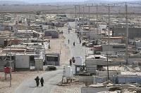 約7万9000人が暮らすザータリ難民キャンプ=ヨルダン・マフラク県で2016年10月1日、久保玲撮影