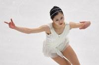 女子FSで演技する宮原知子=札幌市の真駒内セキスイハイムアイスアリーナで2016年11月26日、手塚耕一郎撮影