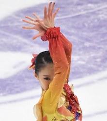 女子FSで演技する松田悠良=札幌市の真駒内セキスイハイムアイスアリーナで2016年11月26日、手塚耕一郎撮影