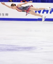 女子FSで優勝したポゴリラヤ=真駒内セキスイハイムアイスアリーナで2016年11月26日、宮間俊樹撮影