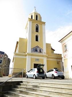 アッチャロリの港近くに建つアヌンツィアータ教会=福島良典撮影
