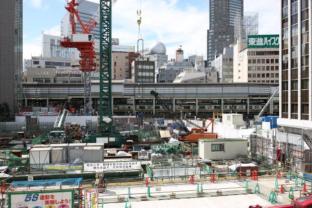 井の頭線の起点となる渋谷駅周辺=2016年