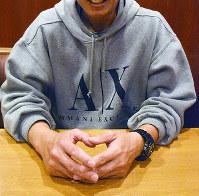 薬物を使っていた過去を振り返る男性=高松市で2016年11月29日、岩崎邦宏撮影
