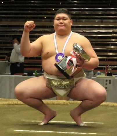 相撲:中大の矢後が初優勝、アマ...