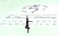 【フィギュアGPファイナル・男子公式練習】 公式練習をする羽生結弦=フランス・マルセイユで2016年12月7日、宮間俊樹撮影
