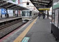 女性が突き落とされたホーム=大阪市浪速区の新今宮駅で2016年12月12日、村田拓也撮影
