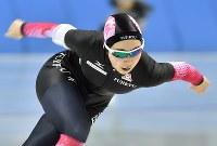 【全日本スピードスケート】5000㍍を滑る女子総合2位の押切美沙紀=北海道帯広市の明治北海道十勝オーバルで2016年12月21日、手塚耕一郎撮影