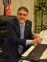 インタビューに応じたセイエド・ムハンマド・アミーン・ファテミ駐日アフガニスタン大使=東京都港区の駐日アフガン大使館で