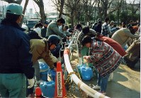 神戸市消防局が震災当時に撮影し、未公開だった写真