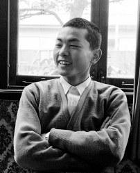 将棋棋士の加藤一二三さん(18)=東京都中野区の日本将棋連盟で1958年(昭和33年)3月、東京本社写真部員撮影