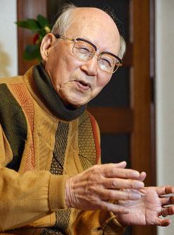 「核による一人一人の痛みを記憶に刻むのが、核廃絶への道」と語る肥田舜太郎さん=さいたま市浦和区で2012年1月18日、西本勝撮影