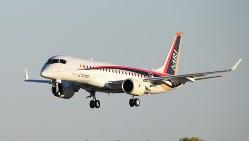 米西部グラント群国際空港に着陸するMRJ=竹地広憲撮影