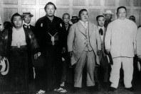 【25代】西ノ海嘉治郎(2代、左から2番目)=1915年8月7日撮影