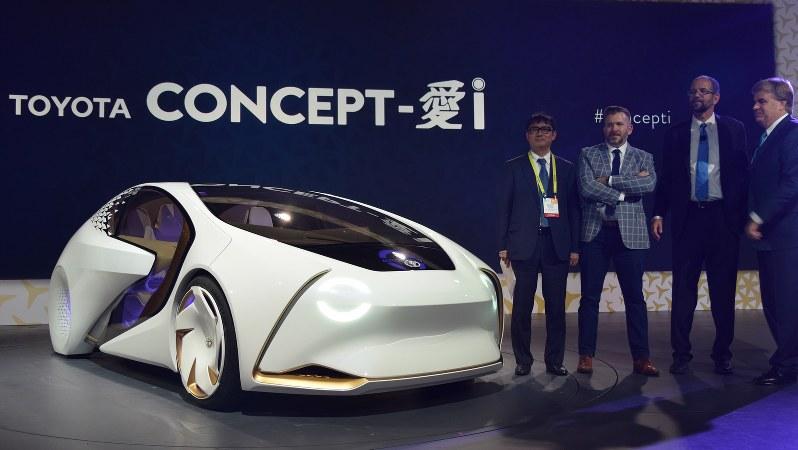 トヨタ自動車が発表したコンセプト車「愛i」=米西部ラスベガスで2017年1月、清水憲司撮影