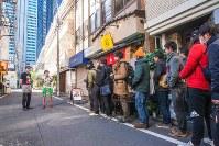 「虫ラーメン」を販売した今年1月のイベントには長蛇の列ができ、昆虫食への関心の高さをうかがわせた=篠原祐太さん提供