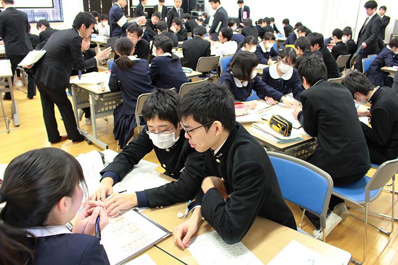 活動紹介 滋賀大教育学部付属中学校 議論し「国家予算」編成 /滋賀