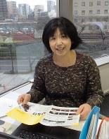 川崎市内の施設を映画などの撮影地に紹介している寺川香苗さん=川崎市幸区の事務所で