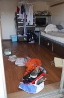 グループホームの一室。「障害者が暮らしている」と言われても、ごく普通のワンルームマンションと違いが分からない=川崎市中原区で