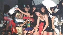 バブルの残り香を漂わせていたディスコ・ジュリアナ東京=1993年4月