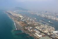 港町、高雄にふたたび、やってきた。格安航空券でシーズンオフなら片道1万円台で来られてしまう。