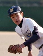 創志学園の井上翔太選手=兵庫県洲本市の洲本市民球場で、益川量平撮影