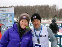 冬季アジア大会の距離男子スプリントで金メダルを獲得したキム・マグヌス(右)