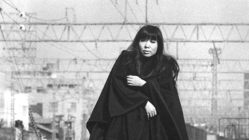 浅川マキさん=1972年1月