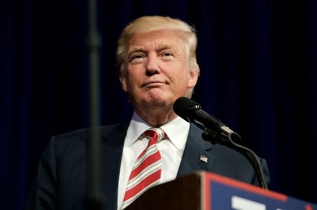 「アメリカ・ファースト」のトランプ米大統領は保護主義に傾く