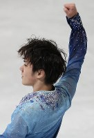 Shoma Uno performs in the men's short program at the ISU World Figure Skating Championships in Helsinki on March 30, 2017. He earned second place in the program. (Mainichi)