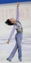 Japan's Yuzuru Hanyu performs in the men's short program at the ISU World Figure Skating Championships in Helsinki on March 30, 2017. (Mainichi)