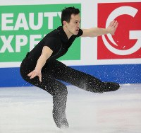 Canada's Patrick Chan cuts the ice during the men's short program at the ISU World Figure Skating Championships in Helsinki on March 30, 2017. He came third in the program. (Mainichi)