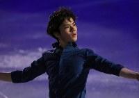 エキシビションで演技する宇野昌磨=フィンランド・ヘルシンキで2017年4月2日、佐々木順一撮影
