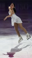 Japan's Mai Mihara skates gracefully during an exhibition performance in Helsinki, on April 2, 2017. (Mainichi)