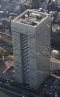 東芝本社=東京都港区芝浦で2017年1月20日、本社ヘリから