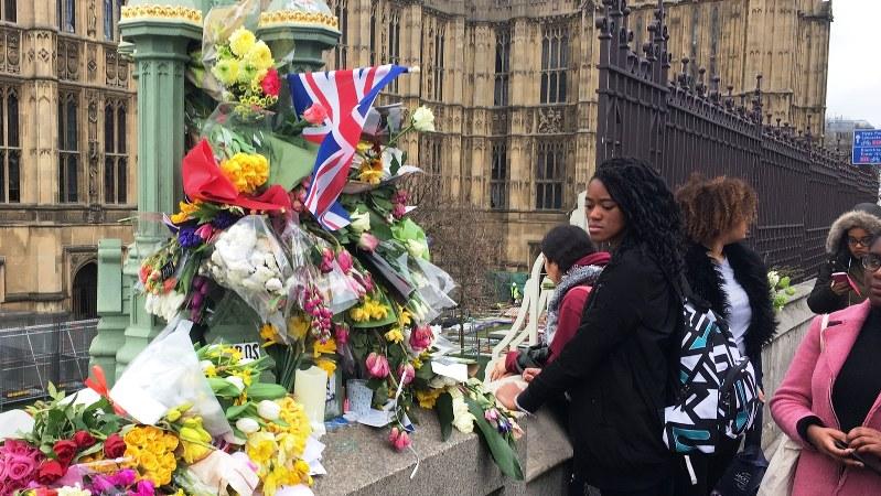 テロが発生した英国会議事堂につながるウエストミンスター橋=2017年3月、三沢耕平撮影